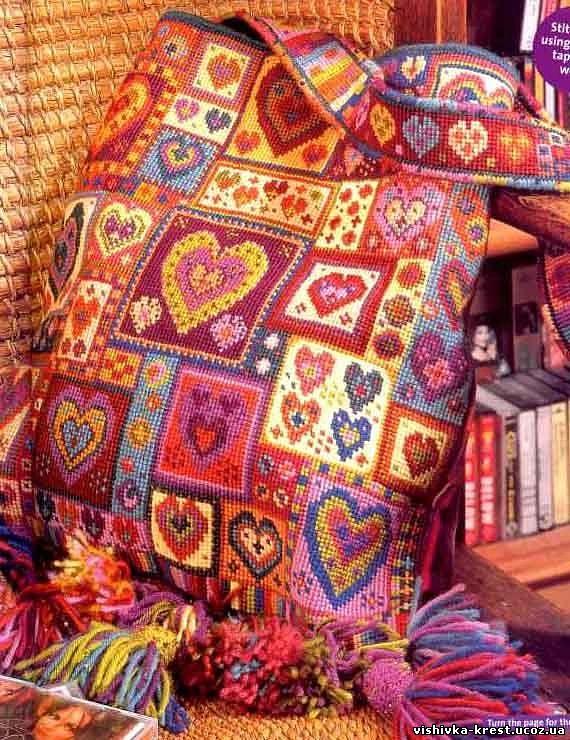 Стильная сумка с сердечками
